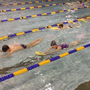 nauka plywania dla niemowlat