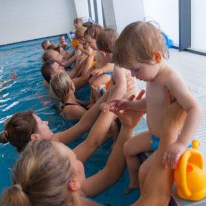 nauka pływania niemowląt poznań