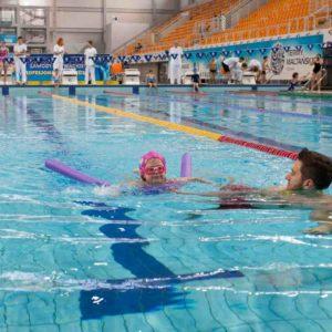 pływanie na grzbiecie -