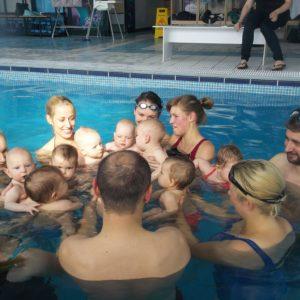 obóz pływacki dla dzieci