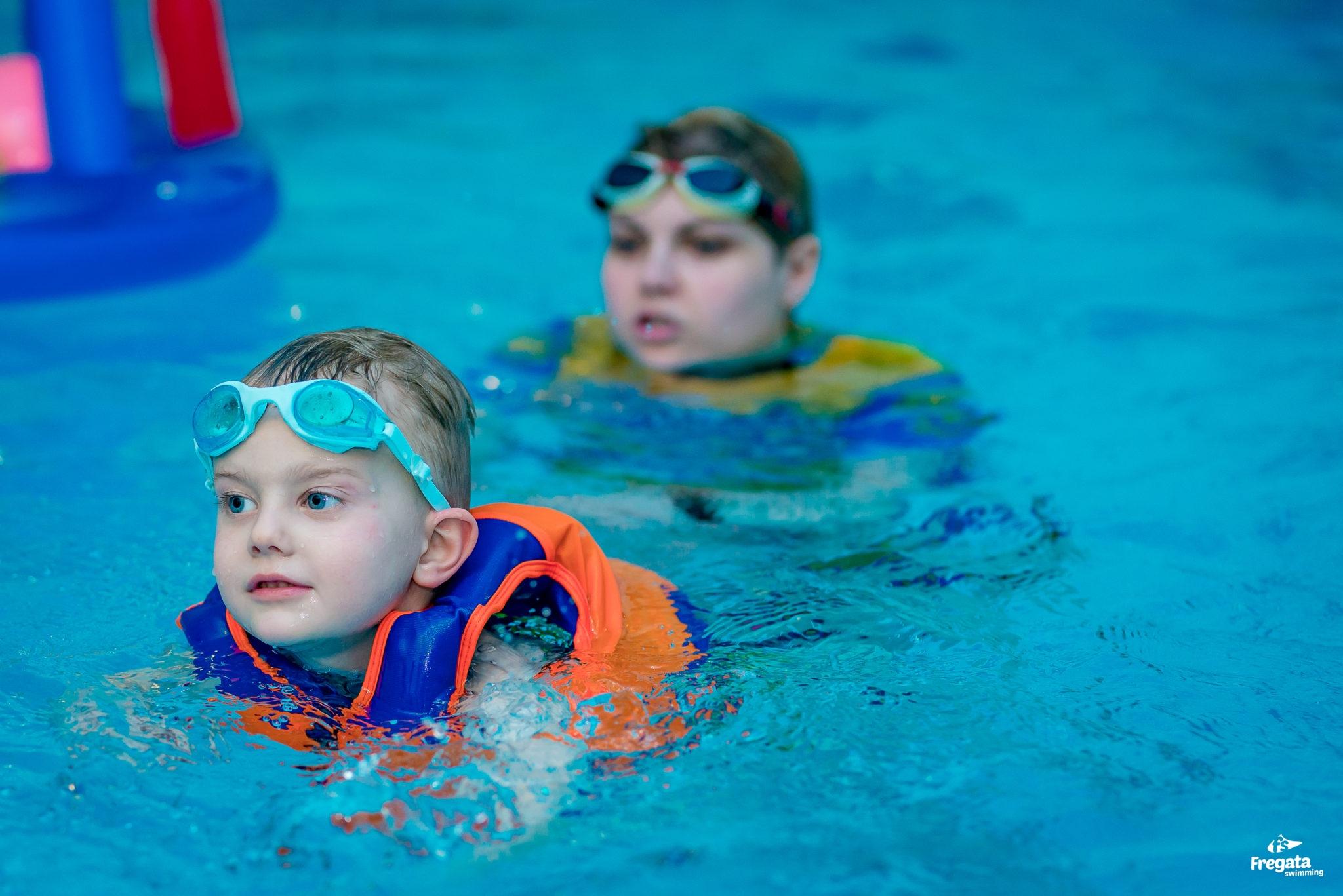 dzieci pływanie