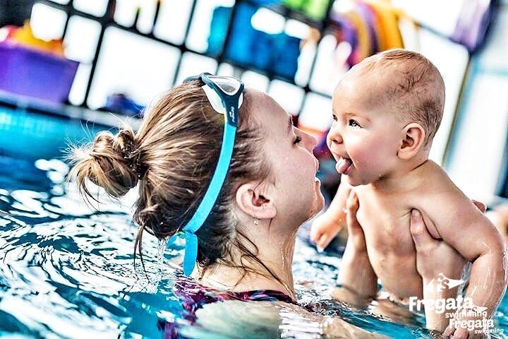 zajęcia dla niemowlat na basenie