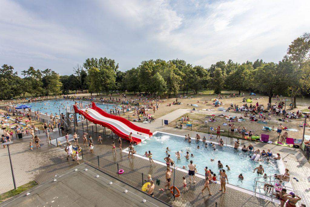 Pływalnia w parku Kasprowicza. Foto: Adam Ciereszko